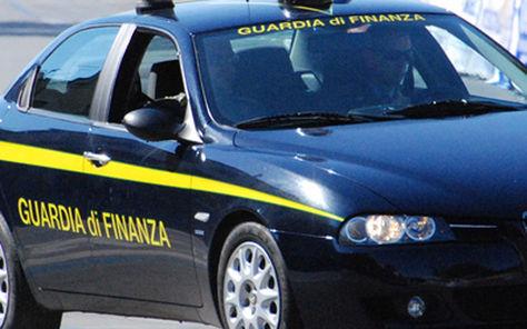 MARCIANISE – Marchi contraffatti, maxi sequestro in un negozio