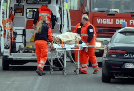 ambulanza-incidente-barella