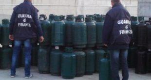 Pietramelara – Distribuzione gas, 100 bombole senza collaudo: sequestro e sanzioni