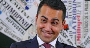 Caserta – Politica e privilegi, duro attacco di De Luca contro Di Maio: incapace di governare anche un pollaio (il video con l'attacco di De Luca)