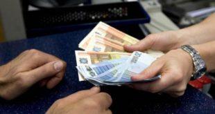 MADDALONI – Estorceva denaro per acquistare stupefacenti, 35enne ai domiciliari