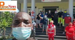 MONDRAGONE – CONSEGNATI GENERI ALIMENTARI E DIP DAL SINDACALISTA Aboubakar Soumahoro (il video)