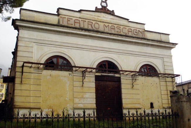 """Piedimonte Matese – Teatro Mascagni, lo strano caso della """"proprietà"""". Chi paga le tasse?"""