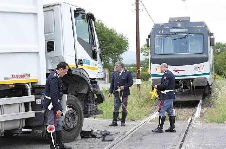 scontro_treno_camion